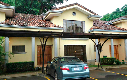 cheap 3 bedroom townhouse fixer upper for sale in escazu