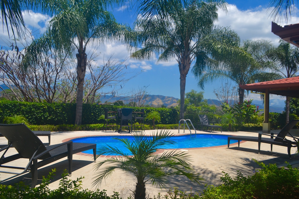 Well maintained 3 bedroom ranch with pool close to for Pool design costa rica