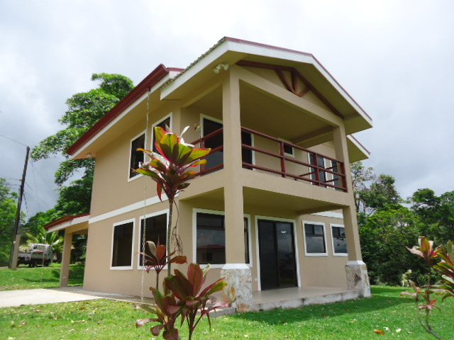 Home For Sale in Nuevo Arenal Angle