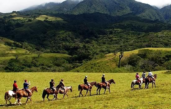 horseback riding costa rica bucket list