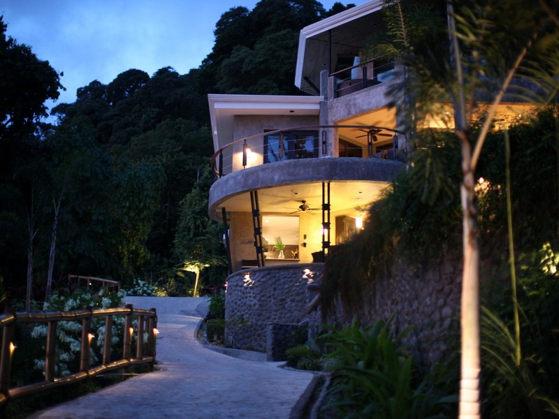 Dominical luxury villas with unrivaled pacific ocean views for Luxury villas in costa rica
